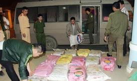 Bắt vụ vận chuyển số lượng lớn tiền chất thuốc nổ