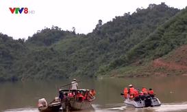 Tiếp tục huy động lực lượng cứu nạn Rào Trăng 3 bằng đường thủy