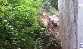 Bình Định khẩn cấp di dời người dân sống dưới chân núi Gành