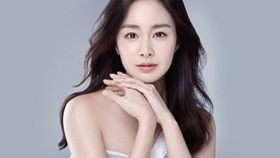 Kim Tae Hee to arrive in Hanoi