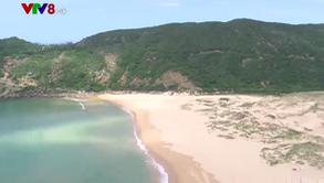 Hoang sơ Bãi Môn - bãi cát dịu mát giữa nắng hè