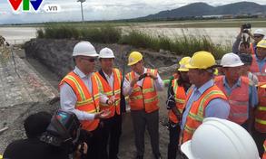 Đoàn Nghị sỹ Quốc hội Hoa Kỳ thị sát công trình xử lý dioxin tại Đà Nẵng