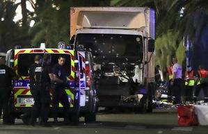 Vụ đâm xe tải vào đám đông ở Pháp