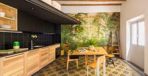 Ngôi nhà 45 m2 ấm áp với sắc màu của gỗ và cây cỏ