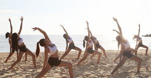 Hoa hậu Hữu nghị ASEAN: Dàn người đẹp trải nghiệm yoga dưới ánh bình minh