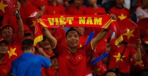ẢNH: Mỹ Đình ngập tràn sắc đỏ trận ĐT Việt Nam - ĐT Philippines (Bán kết lượt về AFF Cup 2018)