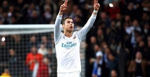 ẢNH: Những khoảnh khắc ấn tượng trong trận Real Madrid ngược dòng thành công trước PSG