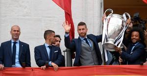 Real Madrid diễu hành ăn mừng chức vô địch Champions League thứ 13