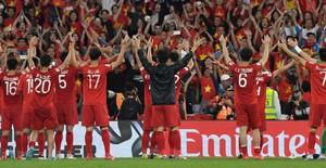 Những hình ảnh nức lòng người hâm mộ trong chiến thắng đầu tay của ĐT Việt nam