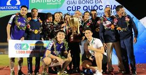 ẢNH: CLB Hà Nội ăn mừng danh hiệu vô địch Cúp Quốc gia đầu tiên trong lịch sử đội bóng