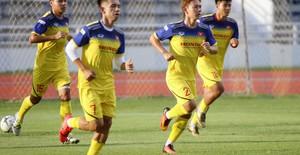 ĐT Việt Nam tập nhẹ, sẵn sàng cho trận chung kết King's Cup 2019 gặp ĐT Curacao