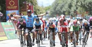 ẢNH: Những khoảnh khắc ấn tượng chặng 8 Giải xe đạp quốc tế VTV Cúp Tôn Hoa Sen 2019