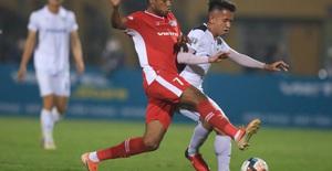 """ẢNH: Viettel hòa Hoàng Anh Gia Lai trong trận cầu """"mưa bàn thắng"""""""