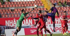 Chùm ảnh: CLB Sài Gòn giành 3 điểm dễ dàng trên sân Hải Phòng