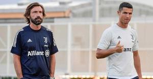 """HLV Pirlo cực """"ngầu"""" trong buổi tập đầu tiên cùng các học trò tại Juventus"""