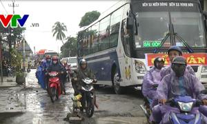 Ách tắc giao thông trên quốc lộ 1A đoạn qua Núi Thành, Quảng Nam
