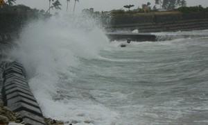 Gió mạnh trên biển và mưa lớn diện rộng ở các tỉnh Trung Bộ