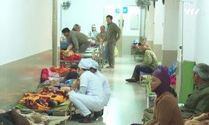 Bệnh viện Đa khoa tỉnh Phú Yên quá tải do thời tiết trở lạnh