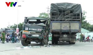 Đà Nẵng: Tai nạn giao thông nghiêm trọng, ách tắc Quốc lộ 1 nhiều giờ liền