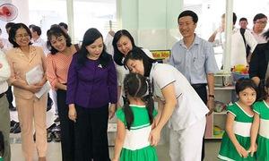 Hơn 1.000 cán bộ, nhân viên y tế tham gia Lễ phát động phòng, chống dịch bệnh