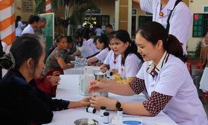 Hà Tĩnh: 1.000 người dân được khám, cấp thuốc miễn phí và lập hồ sơ sức khỏe