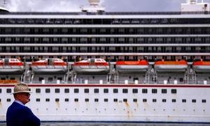 Du thuyền Australia cập bến khẩn cấp vì hành khách ẩu đả