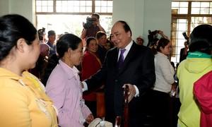 Thủ tướng thăm, chúc Tết bà con đồng bào dân tộc thiểu số tại Đắk Lắk