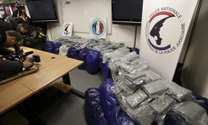 Pháp thu giữ lượng cocaine kỷ lục trong năm 2017