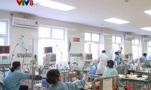 Nghệ An: Cháu bé 3 tuổi nhập viện vì ăn nhầm gói bột tẩy bồn cầu