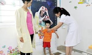 Chế độ dinh dưỡng cho trẻ trong năm đầu đời