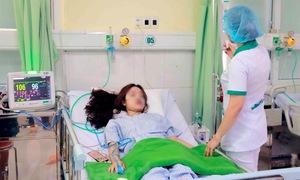 Đà Nẵng: Cấp cứu kịp thời 4 du khách bị đuối nước khi tắm biển