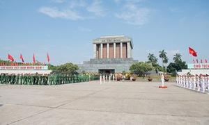Kỷ niệm 128 năm Ngày sinh Chủ tịch Hồ Chí Minh: Lãnh đạo Đảng, Nhà nước vào Lăng viếng Bác