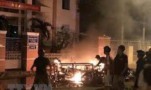 Giải tán vụ một số đối tượng quá khích gây rối tại Bình Thuận