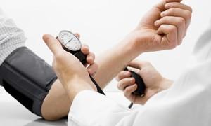 Sai lầm khi dùng thuốc cao huyết áp ai cũng dễ mắc phải