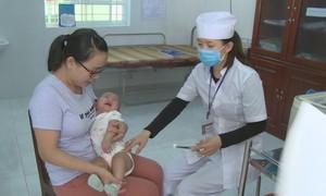 Phú Yên triển khai tiêm vắc-xin bại liệt trong chương trình tiêm chủng mở rộng