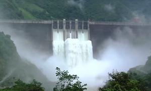 Nghệ An: Sau 2 ngày xả lũ, lượng nước đổ về Thủy điện Bản Vẽ vẫn tăng cao