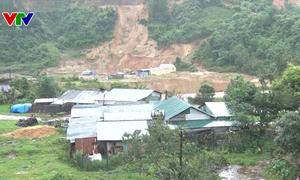 Kon Tum di dời khẩn cấp gần 100 hộ dân ra khỏi vùng sạt lở