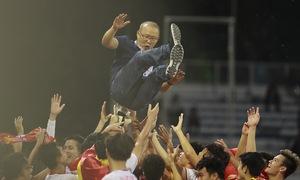 Những hình ảnh không thể nào quên trong lần đầu tiên bóng đá nam Việt Nam
