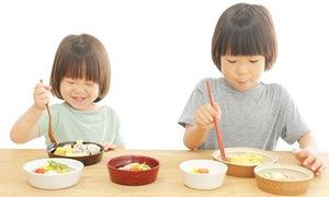 Dinh dưỡng hợp lý cho trẻ thời tiết nắng nóng