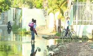Chính quyền địa phương chưa giải quyết đoạn đường ngập nước tại Nha Trang
