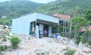 Nha Trang: tái diễn xây nhà trái phép ở vùng sạt lở núi