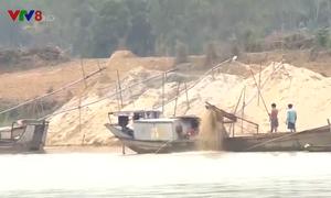 Khó khăn trong việc ngăn chặn khai thác cát, sạn trái phép