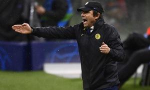 Inter Milan chia tay cúp châu Âu, Conte đổ lỗi trọng tài