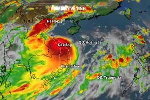 Bão số 4 giật cấp 11 di chuyển rất nhanh, áp sát đất liền các tỉnh miền Trung