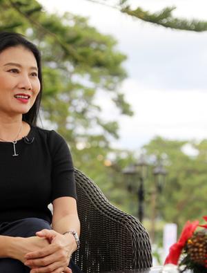 """GLTT với """"mẹ chồng độc đoán"""" của màn ảnh Việt - NSƯT Mỹ Uyên"""