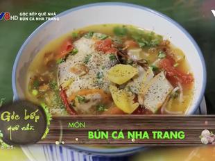 Thưởng thức bún cá Nha Trang