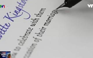 Axi Draw: AxiDraw – Robot bắt chước chữ viết của con người | VTV VN