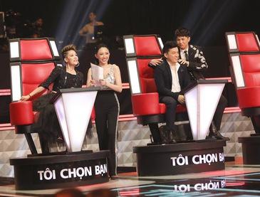 """Giọng hát Việt: Tình bạn 20 năm của Thu Phương - Lam Trường chính thức rạn nứt vì """"nút chặn"""""""