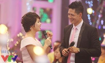 """MC Diễm Quỳnh """"bắt cặp"""" ăn ý với người mẫu Bình Minh"""