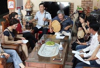Retaining the vitality of 'Bai Choi' folk singing